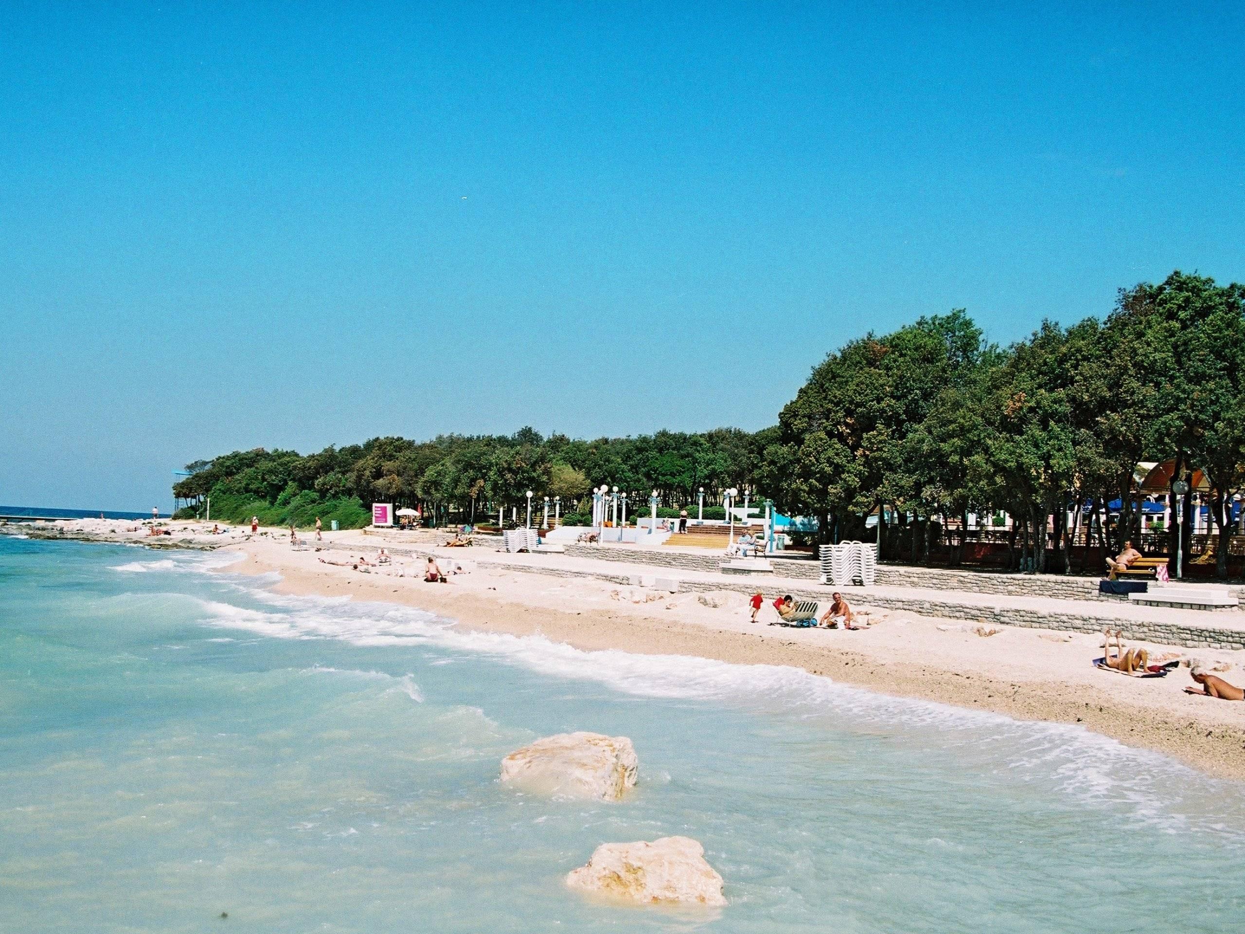 Ровинь хорватия фото пляжа и