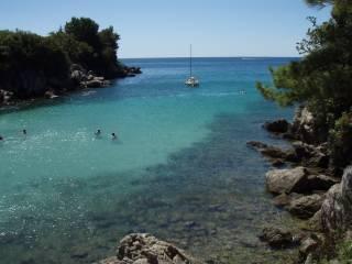 Plaże naturystyczne na wyspie Krk