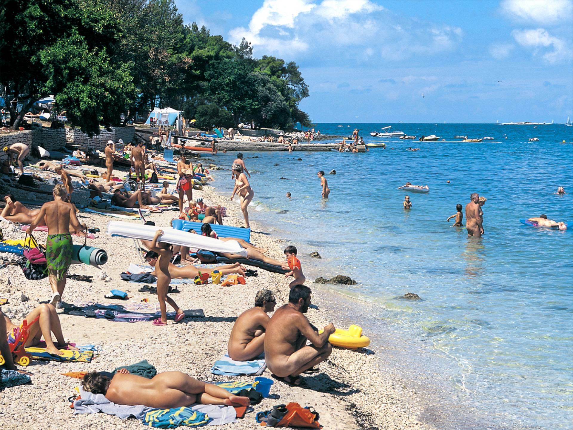 Пляжи нудиских центров европы бесплатно